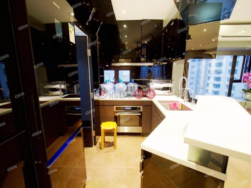 HK$ 52,000/ 月-殷榮閣西區|品味裝修,地段優越,名校網,實用兩房《殷榮閣租盤》