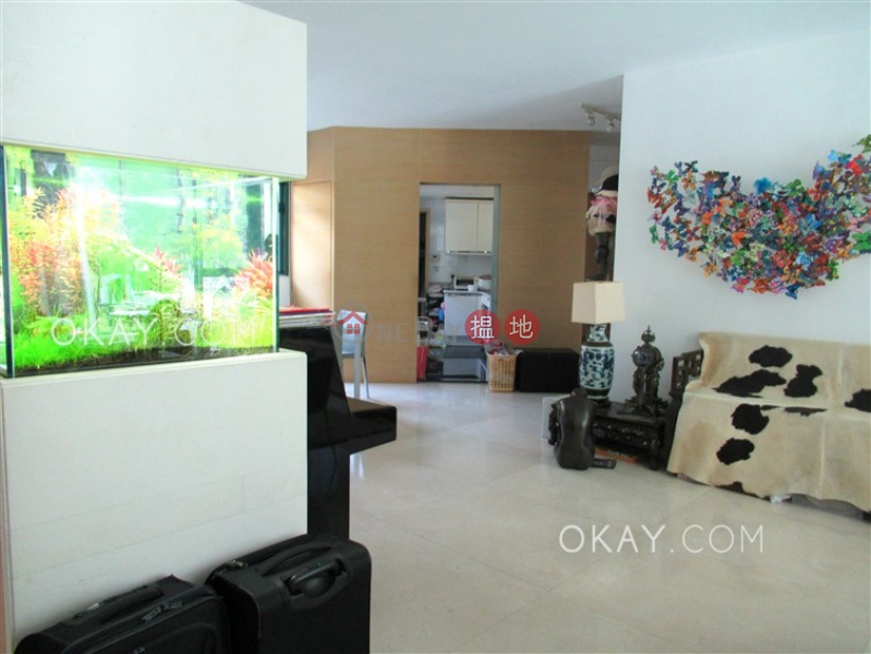 Stylish 3 bedroom on high floor with parking | For Sale | South Bay Palace Tower 2 南灣御苑 2座 Sales Listings