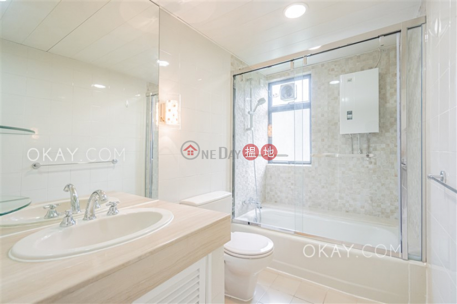 Luxurious 3 bed on high floor with balcony & parking | Rental | Grand Garden 華景園 Rental Listings