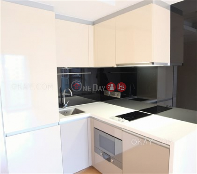 HK$ 30,000/ month | The Nova Western District, Cozy 1 bedroom with balcony | Rental