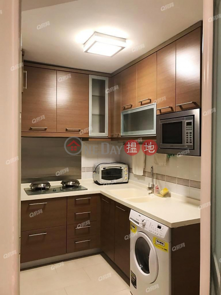 Property Search Hong Kong | OneDay | Residential, Rental Listings South Horizons Phase 2, Yee Moon Court Block 12 | 3 bedroom Mid Floor Flat for Rent