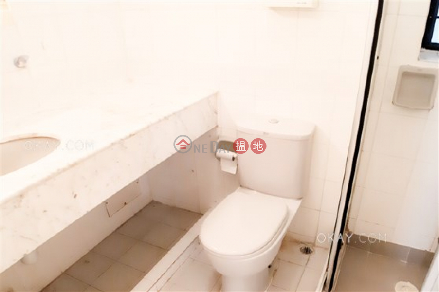 HK$ 1,800萬光明臺 灣仔區 3房2廁,實用率高,可養寵物,連租約發售《光明臺出售單位》
