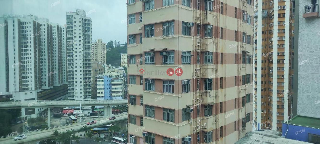 交通方便,廳大房大,名牌發展商《譽都買賣盤》-305筲箕灣道   東區-香港-出售-HK$ 720萬