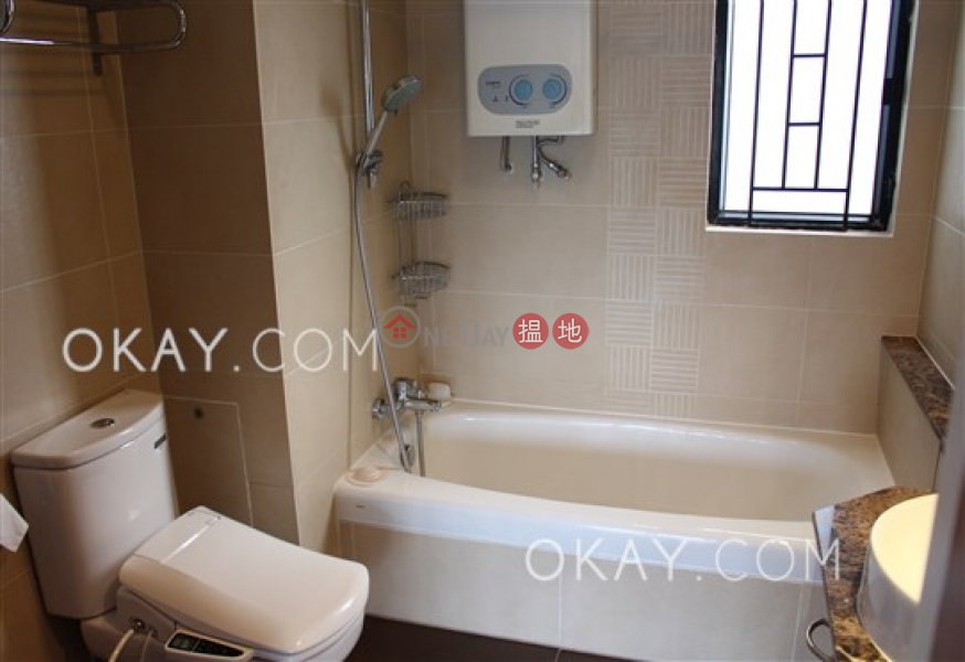 HK$ 58,000/ month | Beverly Hill, Wan Chai District Rare 4 bedroom with balcony & parking | Rental