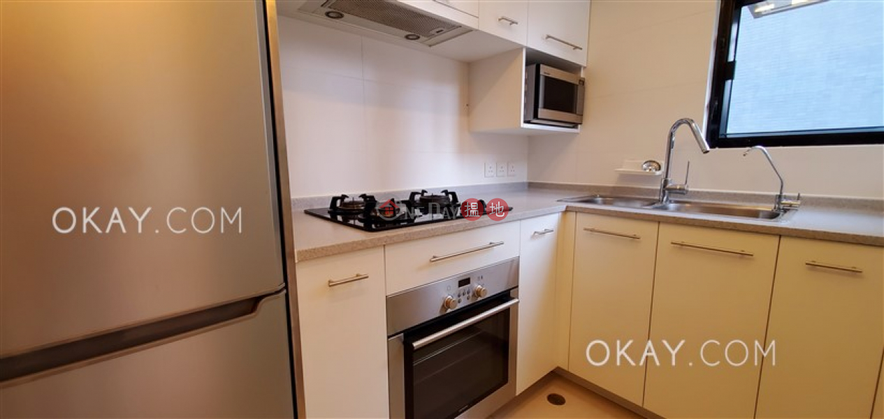 Stylish 2 bedroom on high floor with sea views | Rental | Floral Tower 福熙苑 Rental Listings
