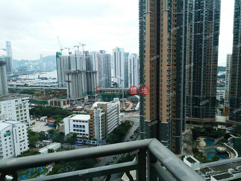 HK$ 26,000/ month Phase 1 The Pacifica Cheung Sha Wan Phase 1 The Pacifica | 3 bedroom Mid Floor Flat for Rent