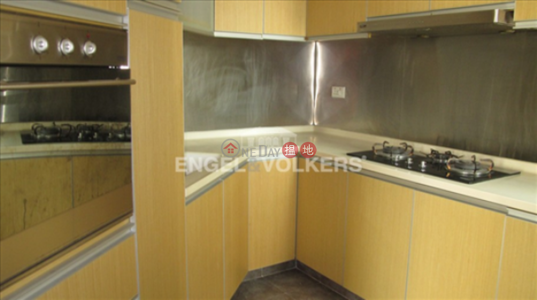 3 Bedroom Family Flat for Sale in Mid Levels West, 70 Robinson Road | Western District | Hong Kong | Sales HK$ 27M