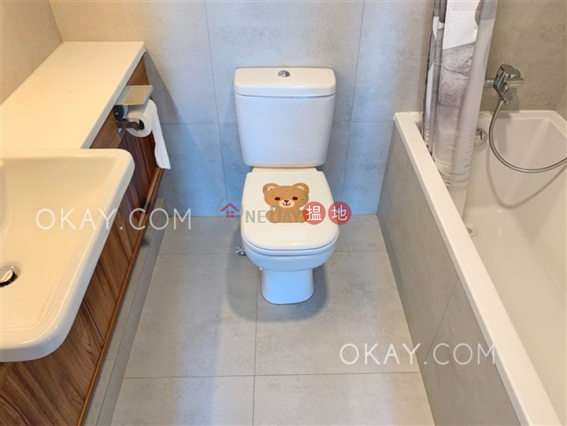 Property Search Hong Kong | OneDay | Residential, Sales Listings | Nicely kept 2 bedroom on high floor with balcony | For Sale