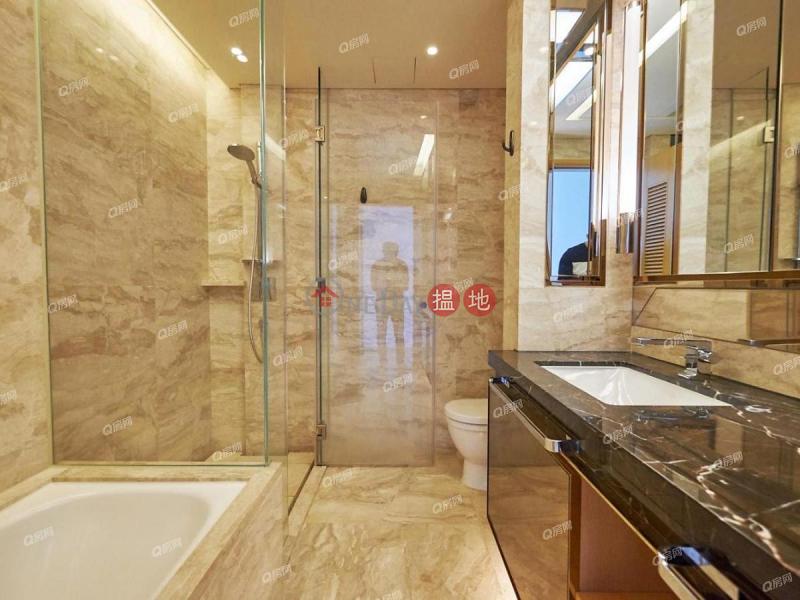 HK$ 72,000/ month Grand Austin Tower 2, Yau Tsim Mong Grand Austin Tower 2   3 bedroom Mid Floor Flat for Rent