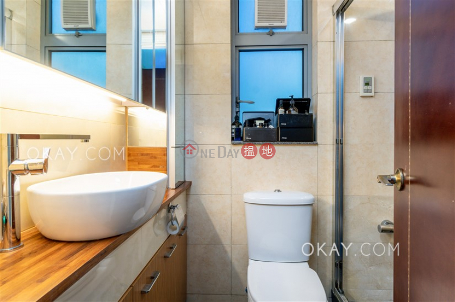HK$ 16.38M, The Merton Western District Popular 2 bedroom with sea views | For Sale