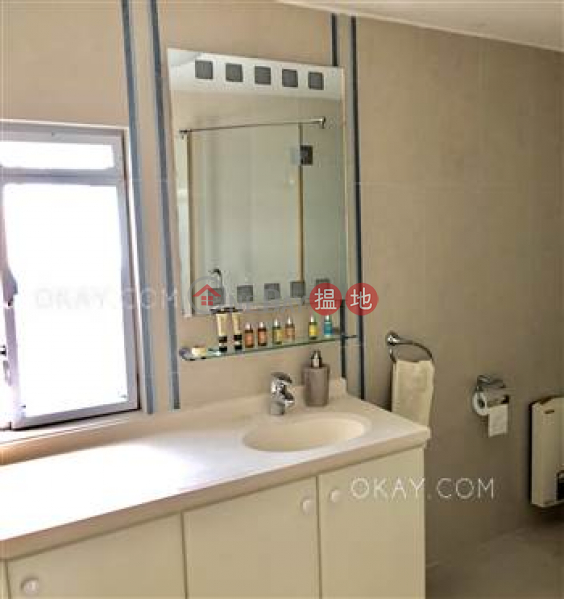 HK$ 75,000/ month, House A Ocean View Lodge Sai Kung, Luxurious house with sea views, rooftop & balcony | Rental