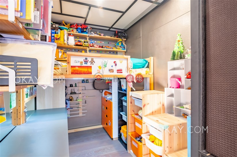 Stylish 1 bedroom on high floor with parking | Rental | Convention Plaza Apartments 會展中心會景閣 Rental Listings