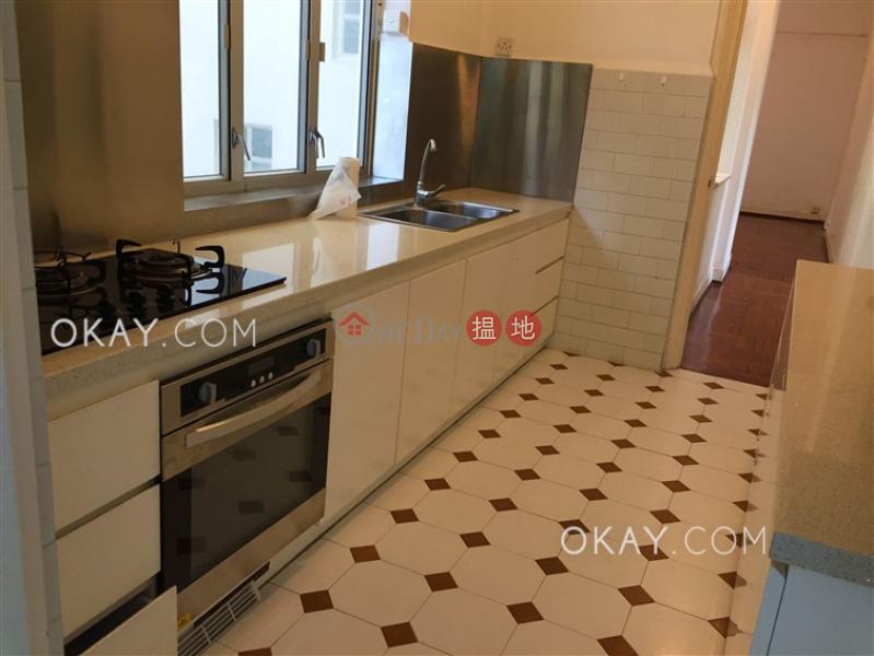 HK$ 70,000/ 月柏齡大廈中區|3房2廁,實用率高,連車位,露台《柏齡大廈出租單位》