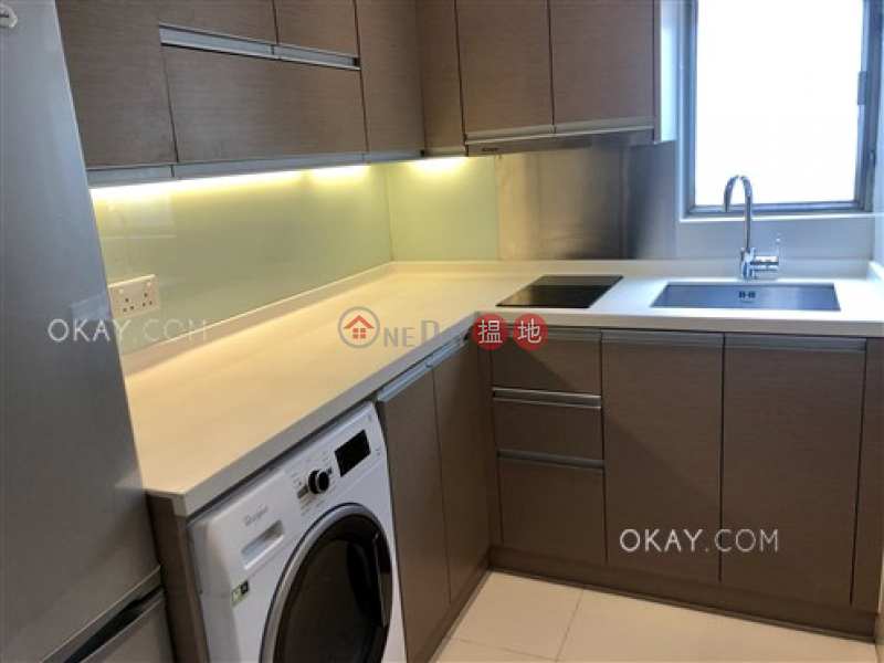 Unique 2 bedroom with sea views & balcony | For Sale | Discovery Bay Plaza / DB Plaza 愉景廣場 Sales Listings