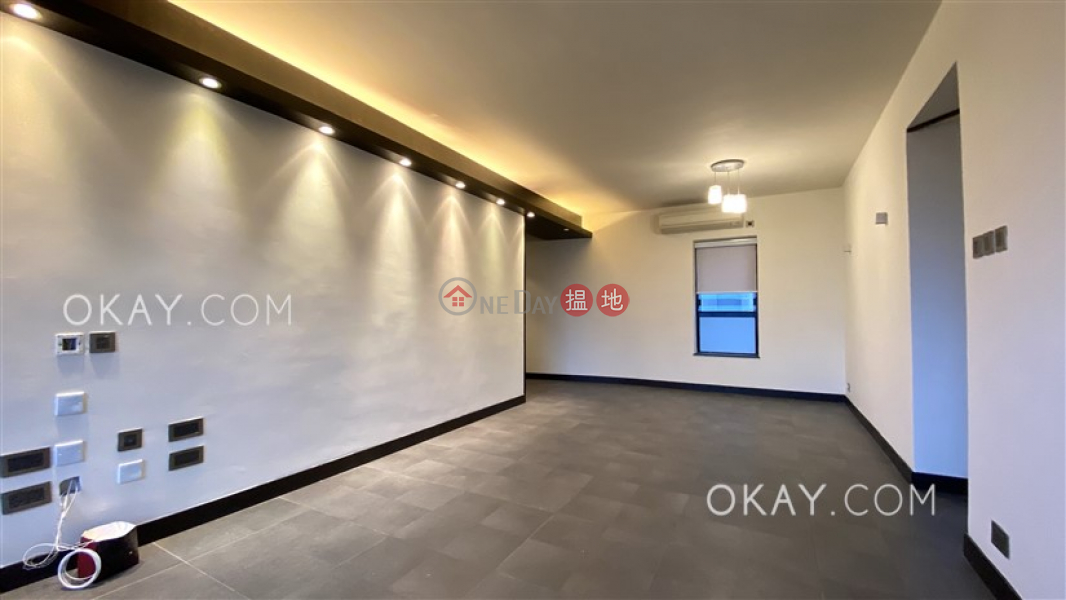 HK$ 48,000/ month, The Grand Panorama Western District | Gorgeous 2 bedroom on high floor with harbour views | Rental