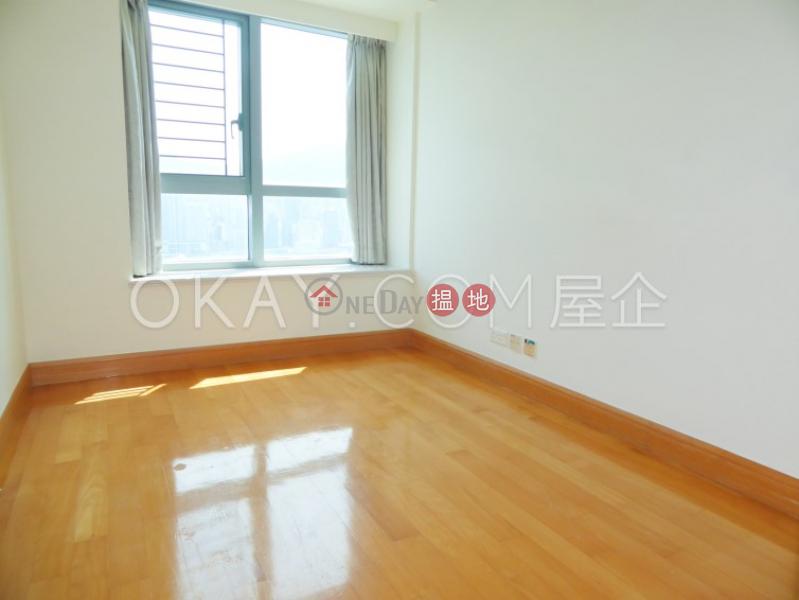香港搵樓 租樓 二手盤 買樓  搵地   住宅出售樓盤3房2廁,極高層,星級會所,露台君臨天下2座出售單位