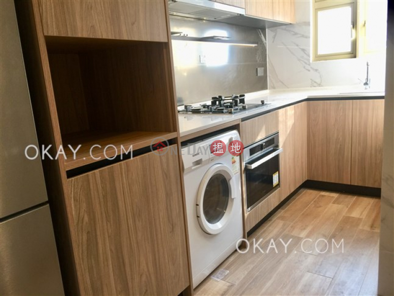 Lovely 1 bedroom with parking | Rental, St. Joan Court 勝宗大廈 Rental Listings | Central District (OKAY-R78454)