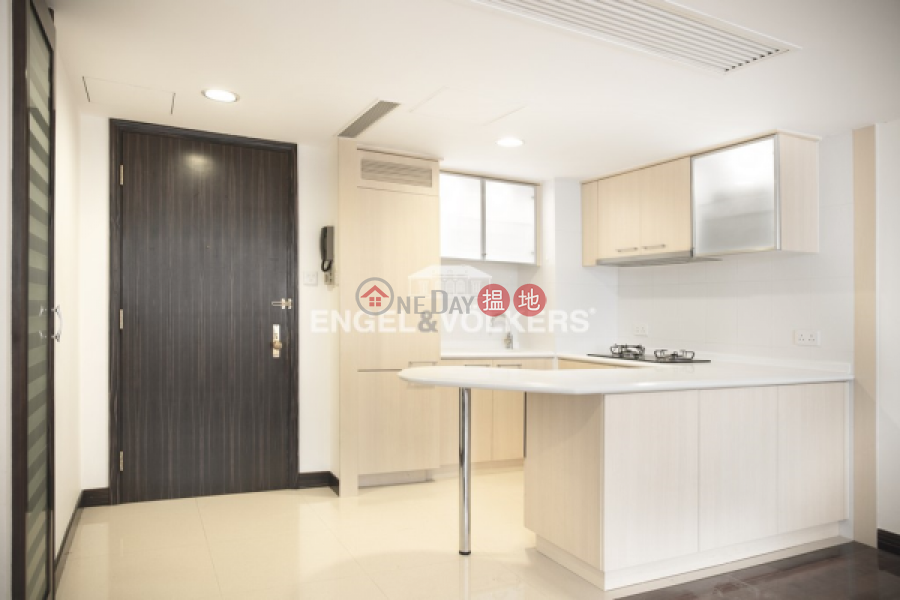 HK$ 26.35M | Convention Plaza Apartments | Wan Chai District, 2 Bedroom Flat for Sale in Wan Chai