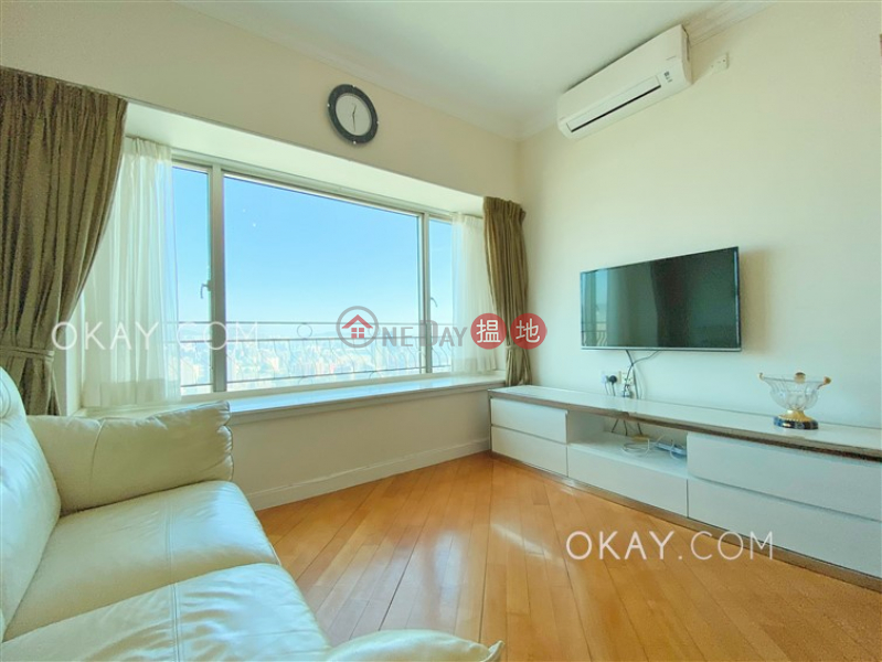 Unique 3 bedroom on high floor | For Sale | Sorrento Phase 1 Block 6 擎天半島1期6座 Sales Listings