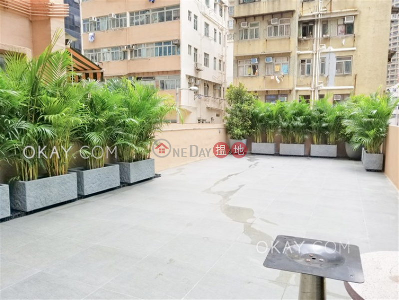 HK$ 26,000/ month, Shun Hing Building | Western District, Stylish 1 bedroom with terrace | Rental