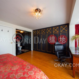 Tasteful house with rooftop, terrace & balcony | For Sale