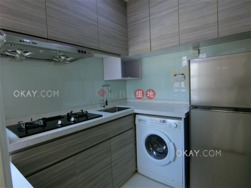 HK$ 13M, Pearl City Mansion, Wan Chai District, Elegant 3 bedroom on high floor | For Sale
