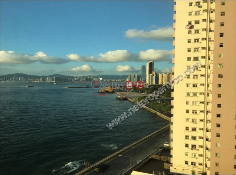 HK$ 26,000/ month The Merton, Western District Great Place apartment just near the Sea with Balcony