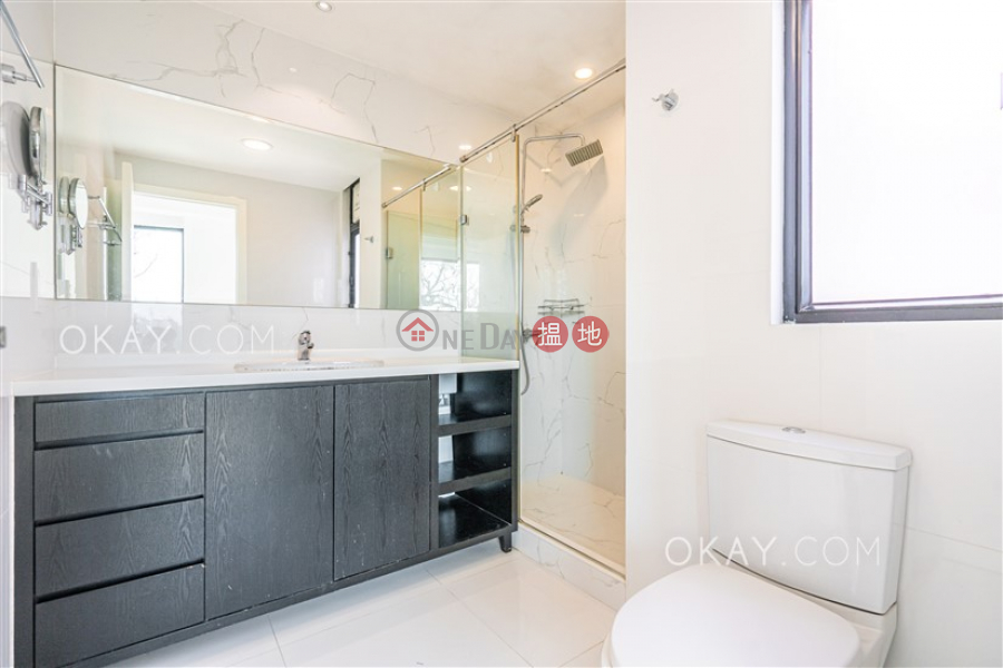 HK$ 55,000/ month | Burlingame Garden | Sai Kung, Nicely kept house with rooftop, terrace | Rental