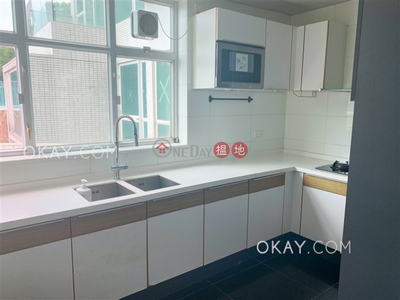 HK$ 29,000/ month | One Kowloon Peak, Tsuen Wan | Practical 3 bedroom with terrace, balcony | Rental