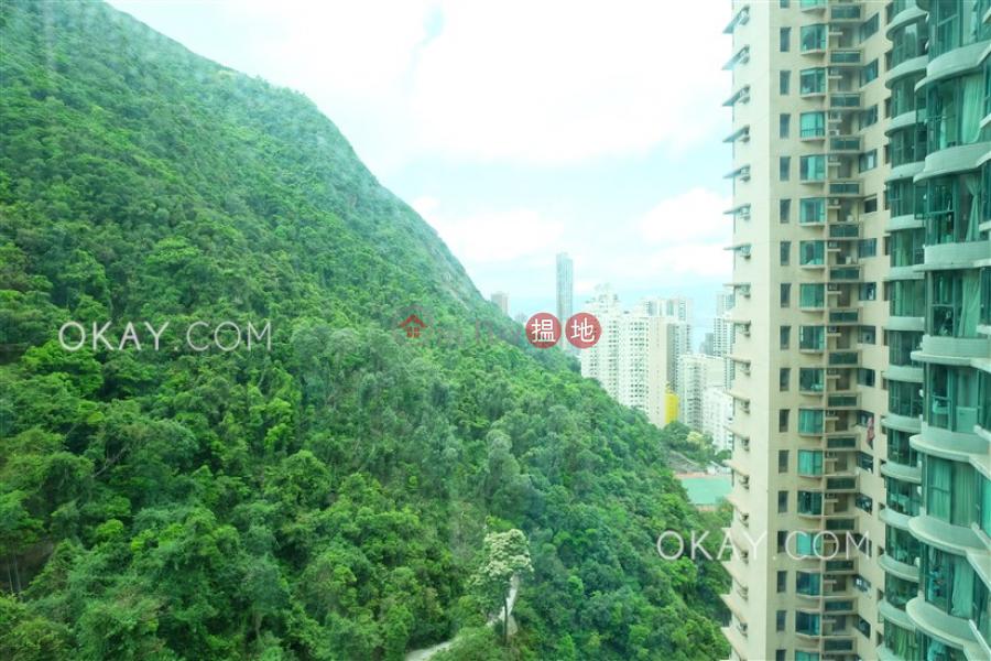 Tasteful 2 bedroom in Mid-levels Central | Rental | Hillsborough Court 曉峰閣 Rental Listings