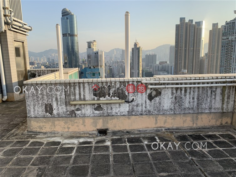HK$ 33,500/ month | GRAND METRO | Yau Tsim Mong, Lovely 3 bedroom on high floor with rooftop & balcony | Rental