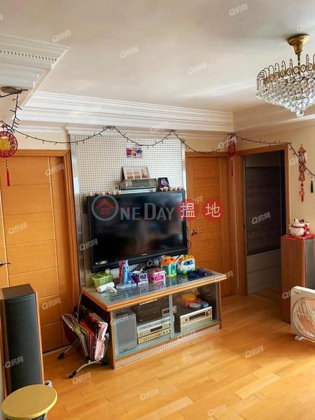 Property Search Hong Kong | OneDay | Residential Sales Listings, Block 8 Yat Wah Mansion Sites B Lei King Wan | 3 bedroom Mid Floor Flat for Sale