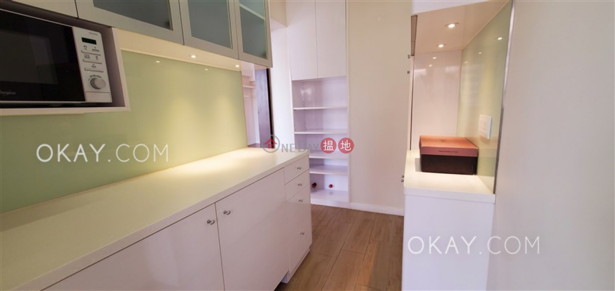 Tasteful 3 bedroom with balcony | Rental, Winner Court 榮華閣 Rental Listings | Central District (OKAY-R107953)