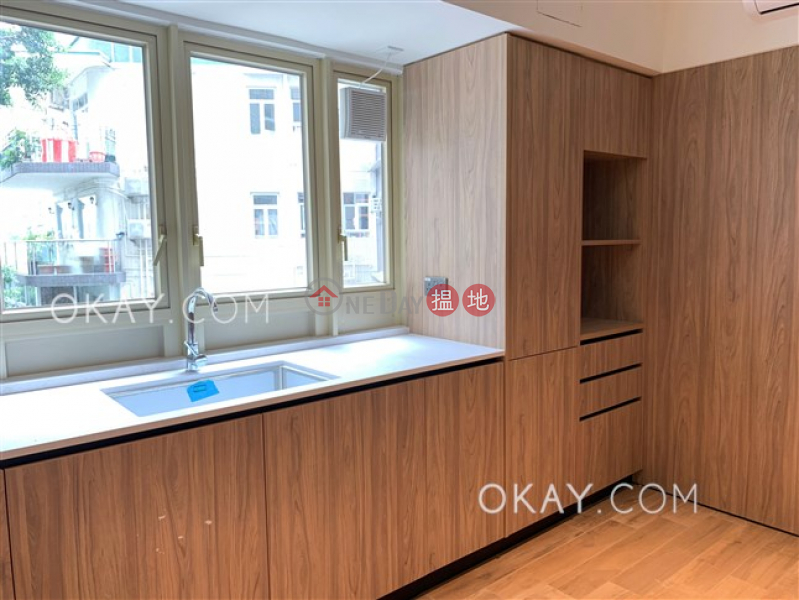 HK$ 52,000/ month, St. Joan Court Central District | Gorgeous 2 bedroom in Mid-levels Central | Rental