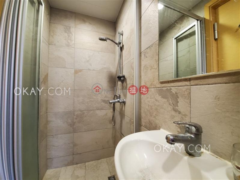 Nicely kept 3 bedroom in Causeway Bay | Rental | Kingston Building Block B 京士頓大廈 B座 Rental Listings