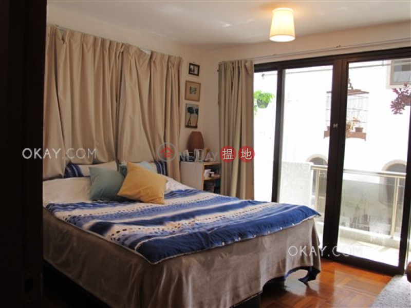 HK$ 35,000/ month | 48 Sheung Sze Wan Village | Sai Kung, Unique house with balcony & parking | Rental