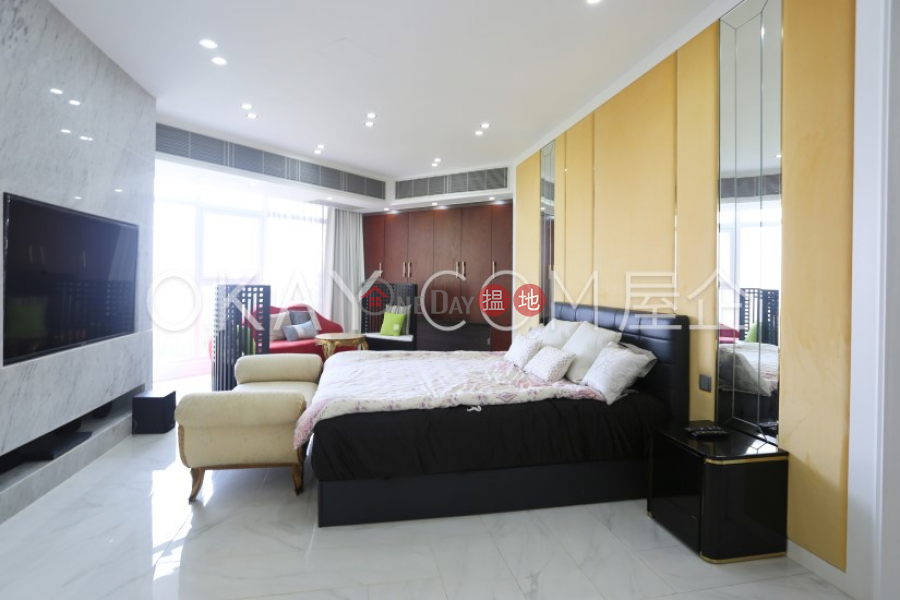 Beautiful house with balcony & parking   For Sale   Cheuk Nang Lookout 卓能山莊 Sales Listings