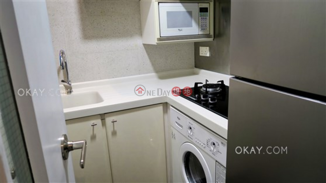 Property Search Hong Kong | OneDay | Residential | Sales Listings, Generous 2 bedroom in Mid-levels West | For Sale