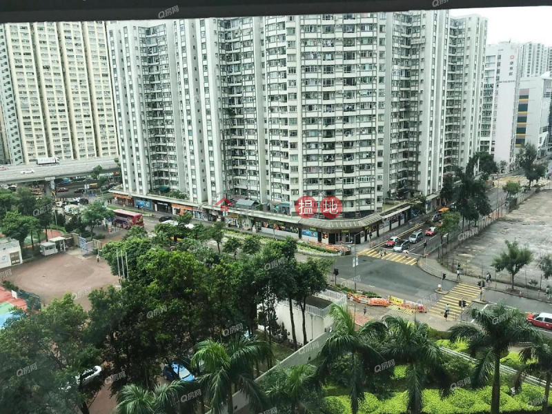 Property Search Hong Kong | OneDay | Residential | Rental Listings | L\'Automne (Tower 3) Les Saisons | 4 bedroom Low Floor Flat for Rent