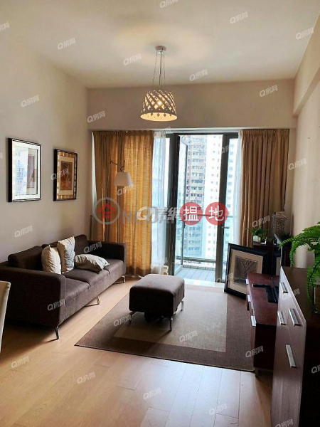 Property Search Hong Kong | OneDay | Residential | Rental Listings SOHO 189 | 3 bedroom Low Floor Flat for Rent