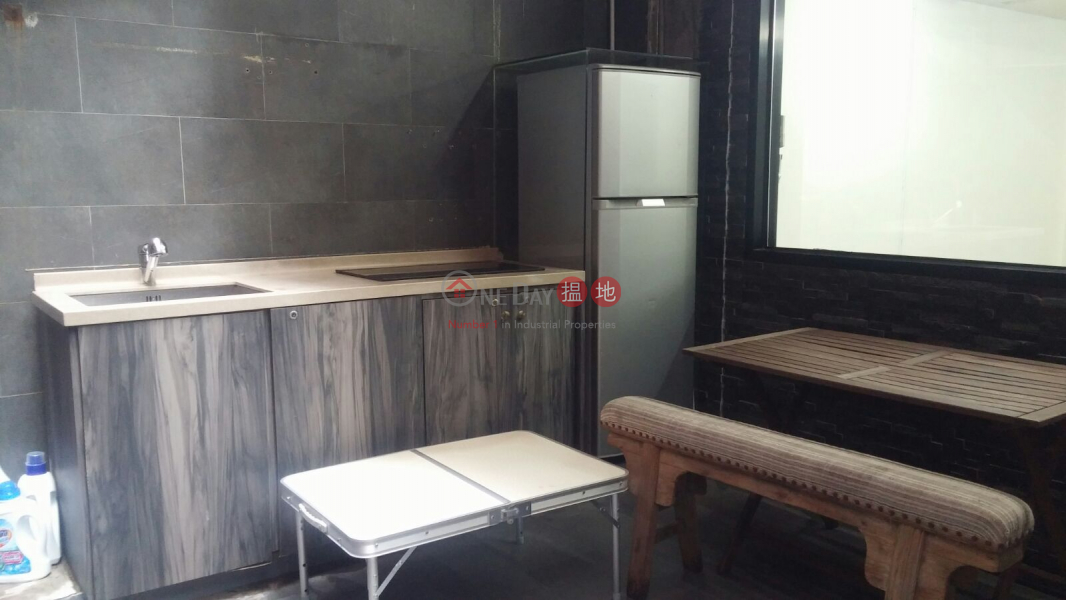 HK$ 18,500/ month | Malahon Apartments Wan Chai District renovated studio with terrace