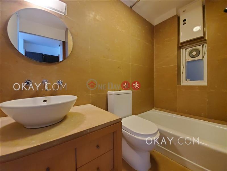 2房2廁,實用率高,露台百輝大廈出租單位72麥當勞道   中區 香港 出租HK$ 52,000/ 月