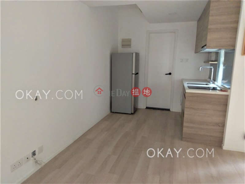HK$ 19,000/ month, Good View Court | Western District Practical in Mid-levels West | Rental