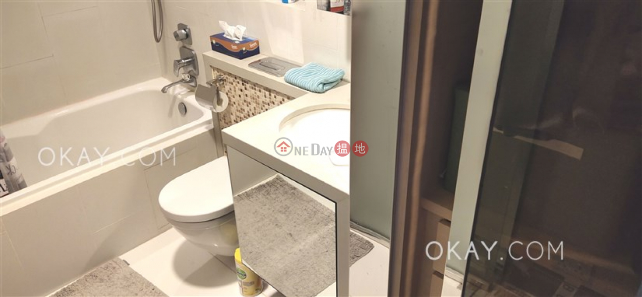 HK$ 19.8M Mount East, Eastern District Nicely kept 1 bed on high floor with sea views | For Sale