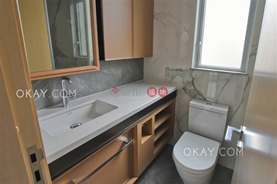 2房1廁,星級會所,露台《RESIGLOW薄扶林出租單位》8興漢道 | 西區香港-出租|HK$ 38,800/ 月