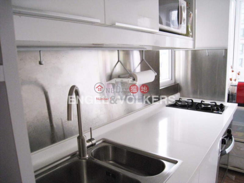2 Bedroom Flat for Sale in Central Mid Levels | Woodland Court 福臨閣 Sales Listings