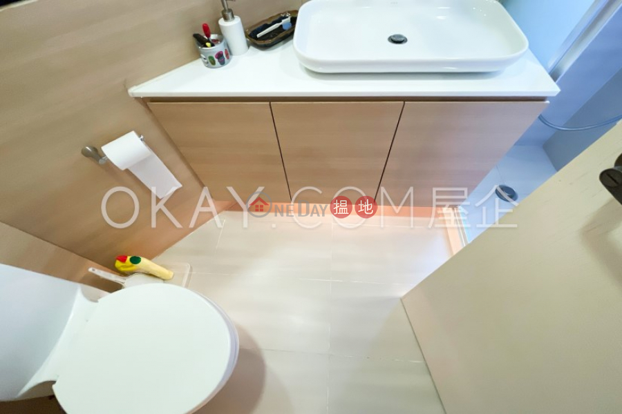 Property Search Hong Kong | OneDay | Residential, Rental Listings Nicely kept 2 bedroom in Mid-levels West | Rental