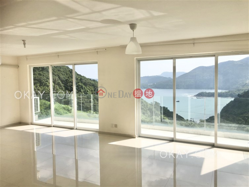 Nicely kept house with sea views, rooftop & terrace | For Sale | Tai Au Mun 大坳門 Sales Listings