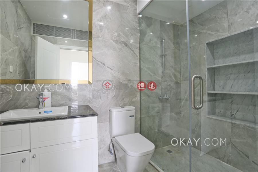 HK$ 300,000/ 月卓能山莊中區 5房3廁,連車位,露台,獨立屋《卓能山莊出租單位》