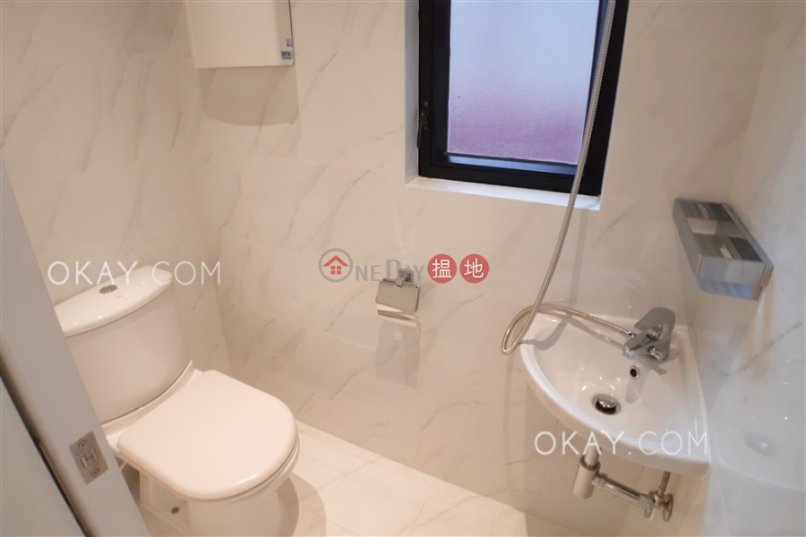 Stylish 2 bedroom with parking   Rental 82 Repulse Bay Road   Southern District Hong Kong, Rental   HK$ 45,000/ month